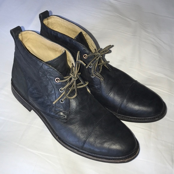 8b8db839a32 UGG black leather chukka boots size 13 US